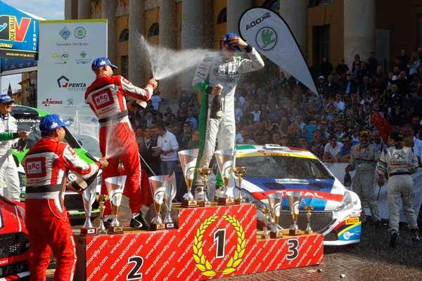 podio-rally-2-valli-2015_600x400